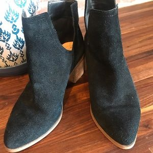 Sole society black suede, booties